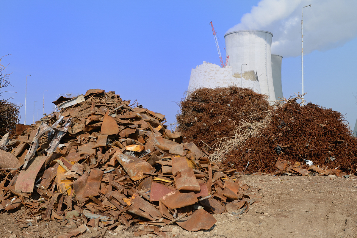 Recycling of secondary raw materials from decommissioning